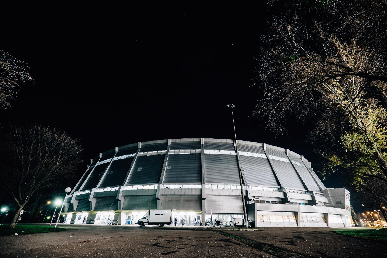 Nur ein kleiner Teil des Gebäudes wird von Flüchtlingen bewohnt. Die Sportler können nach wie vor über einen anderen Eingang ihrer Tätigkeit nachgehen.